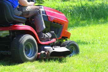 4 Simple Steps to Make A Hydrostatic Lawn Mower Faster