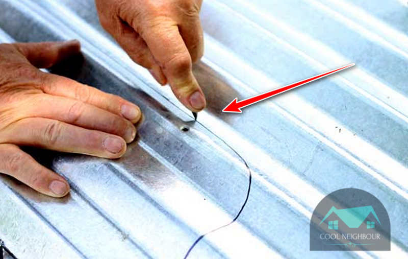 metal-roof-cutting