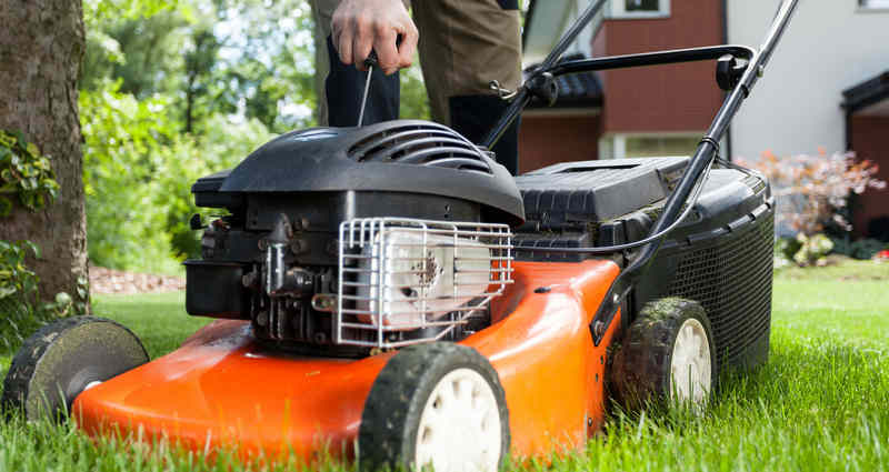 turning-on-a-lawn-mower